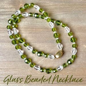 Vintage glass beaded beads necklace